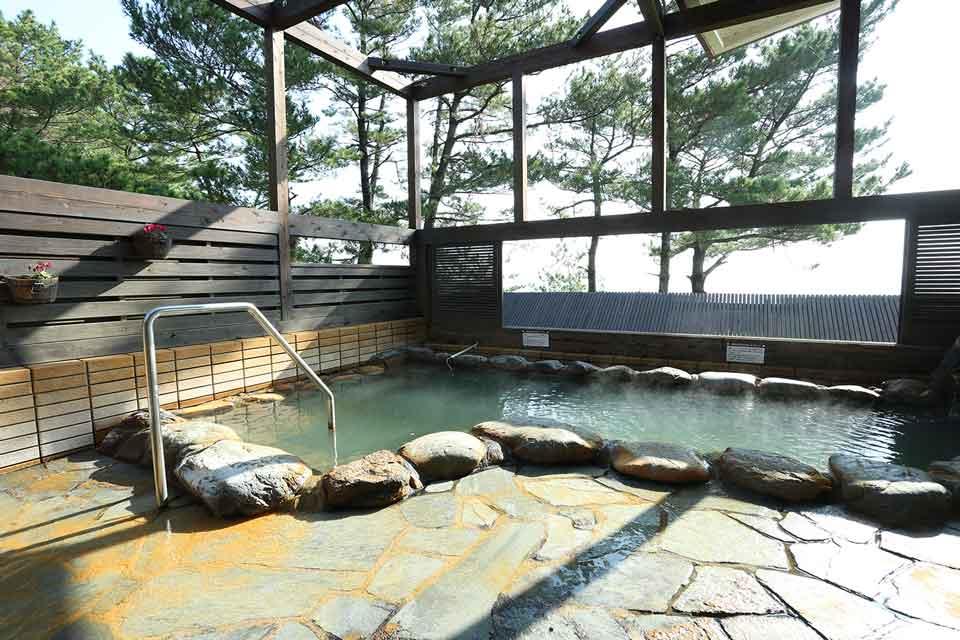 知林の湯露天風呂