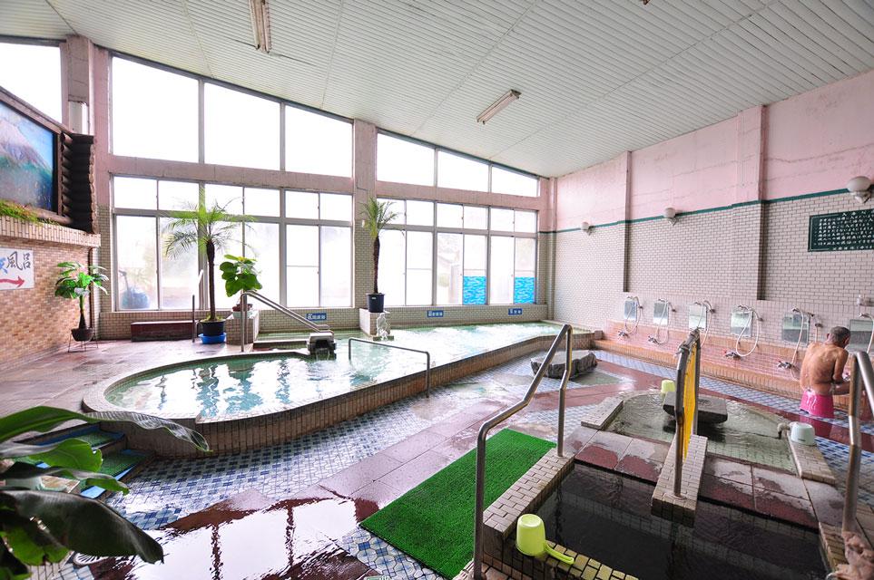 カゴプラ温泉轟温泉大浴場の内湯