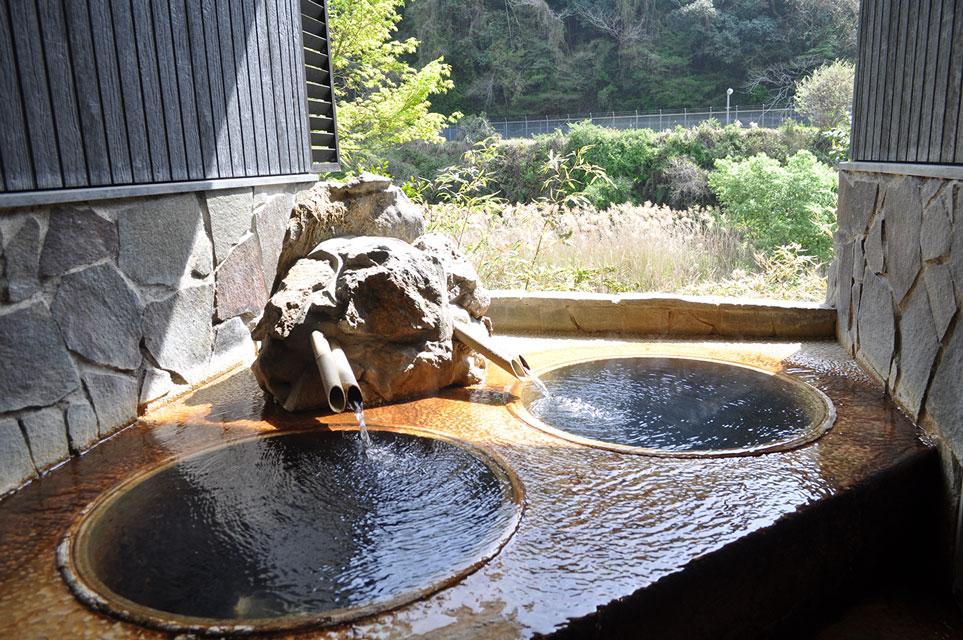 カゴプラ温泉かれい川おしどり露天