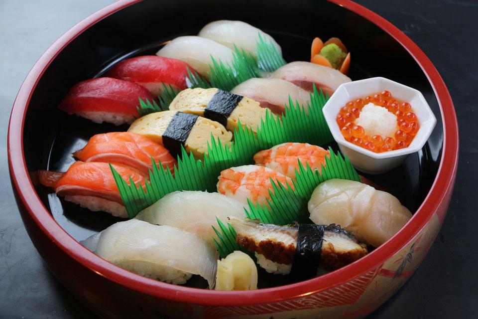 カゴプラグルメ炉の蔵寿司