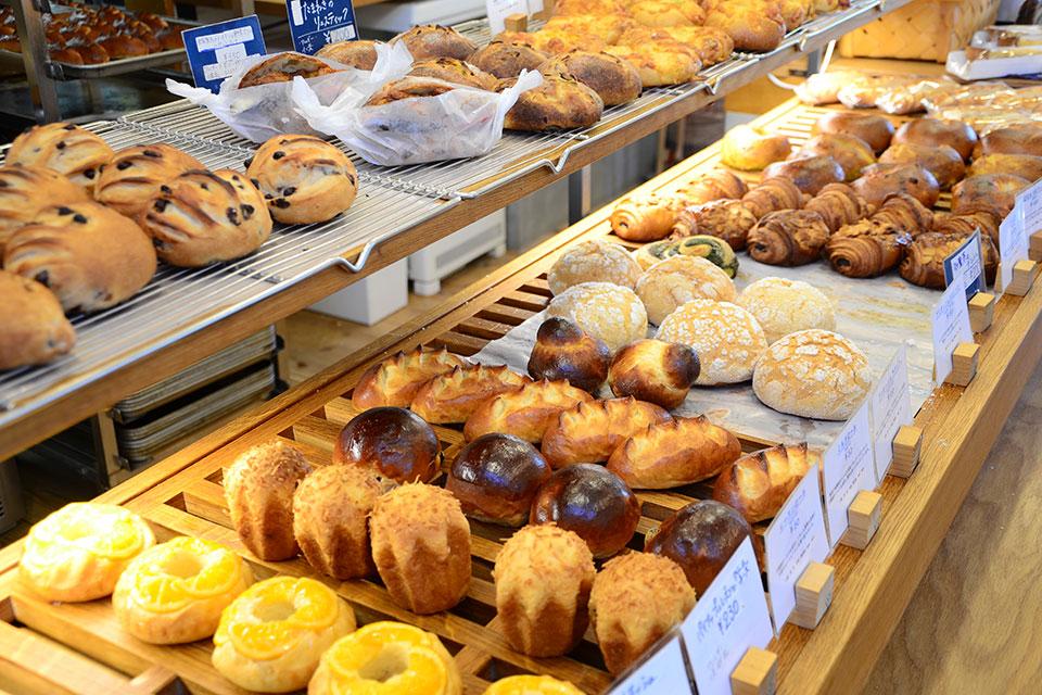 食べれば笑顔になれる美味しいパンを召し上がれ