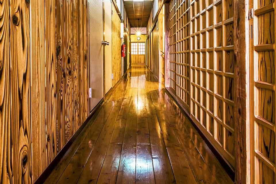 4カゴプラ温泉中島温泉旅館本館2階通路