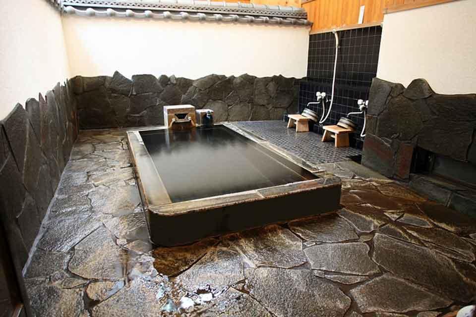8カゴプラ温泉中島温泉旅館本館西郷どんの湯1