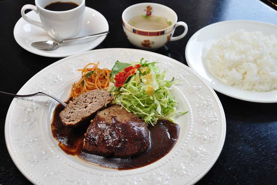 Bistro Cafe 赤門