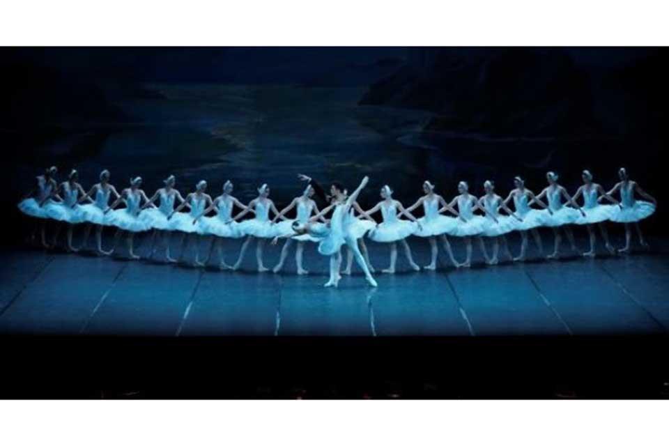 キエフ・バレエ「白鳥の湖」(全3幕)